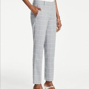 Ann Taylor Ankle Pant in Windowpane size 8P